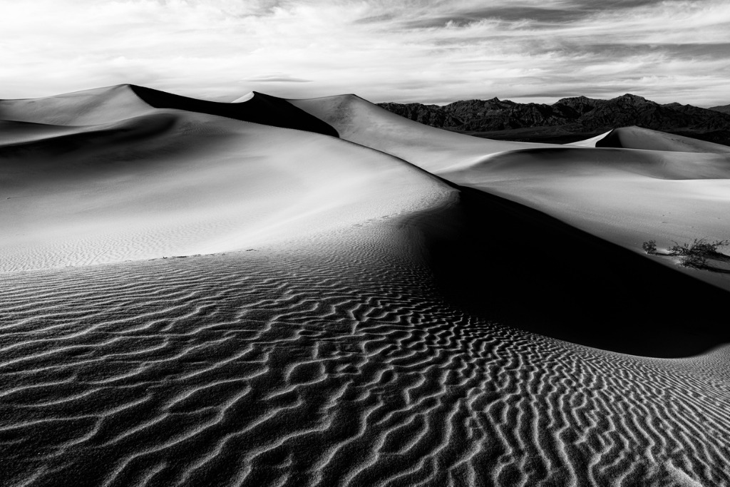 sand dunes in death valley picture id531324956 image